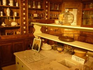 90. Musée pharmacie